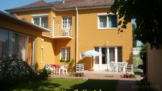 Ifjusági Szállás - Villa Benjamin Siófok