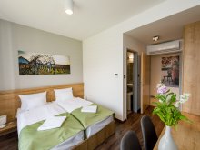 Hotel Bugac, Hotel Pilvax