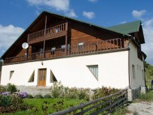 Accommodation Fundata, La Răscruce Guesthouse
