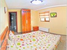 Accommodation Dobromir, Fântânița B&B
