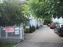 Apartman Ebes, Pávai Apartmanház