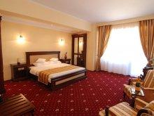 Accommodation Strunga, Richmond Hotel