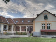 Hostel Bârlești (Mogoș), Centrul de Tineret