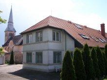 Hostel Jásd, St. Vincent College