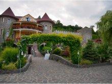 Panzió Atyás (Ateaș), Castle Inn Panzió