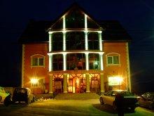 Hotel Pusztaujfalu (Pustuța), Royal Hotel