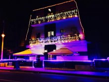 Hotel Suseni (Bogați), Hotel Crema Deluxe