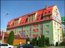 Hotel județul Pest, Hotel Polus