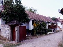 Hostel Bârlești (Mogoș), Centru de Tineret Casa Tóbiás
