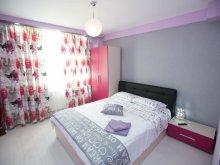 Accommodation Frătești, English Style Apartment