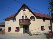 Panzió Kecskeháta (Căprioara), Csáni Panzió