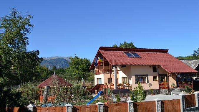 Arnota Guesthouse Costești